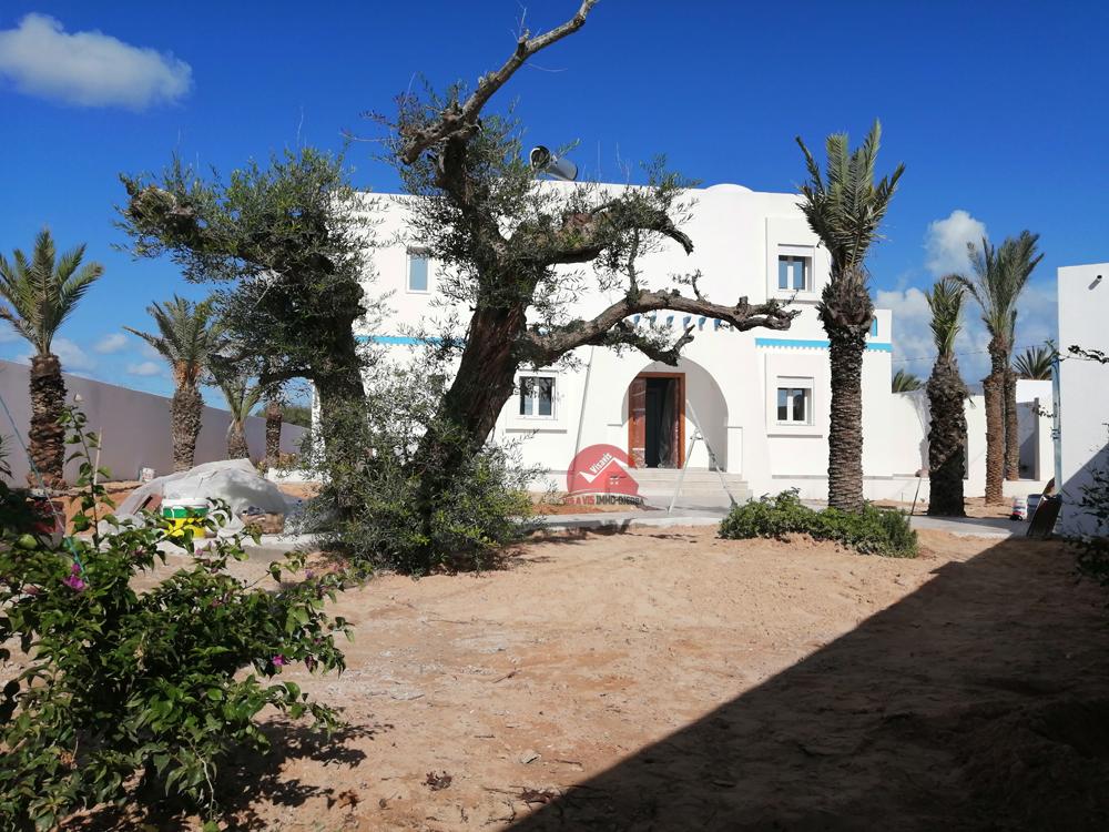 Villa sur grand terrain