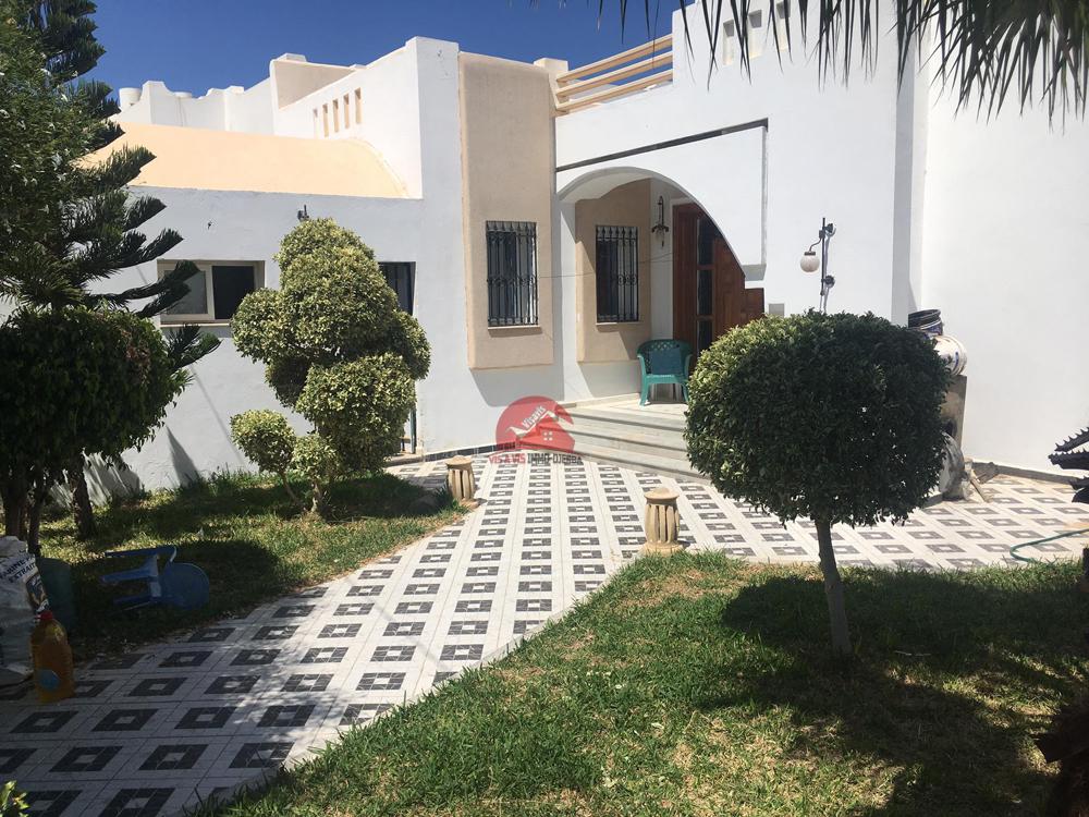 Vente villa avec étage ZU - Réf V494