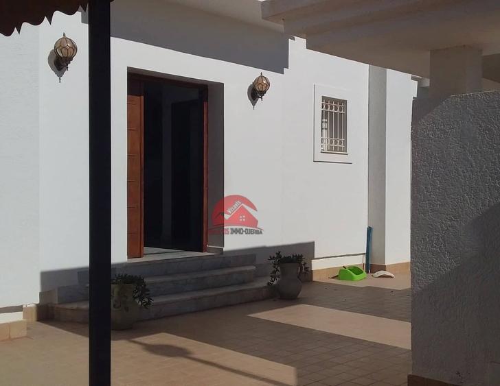 Location villa meublée - Réf L572