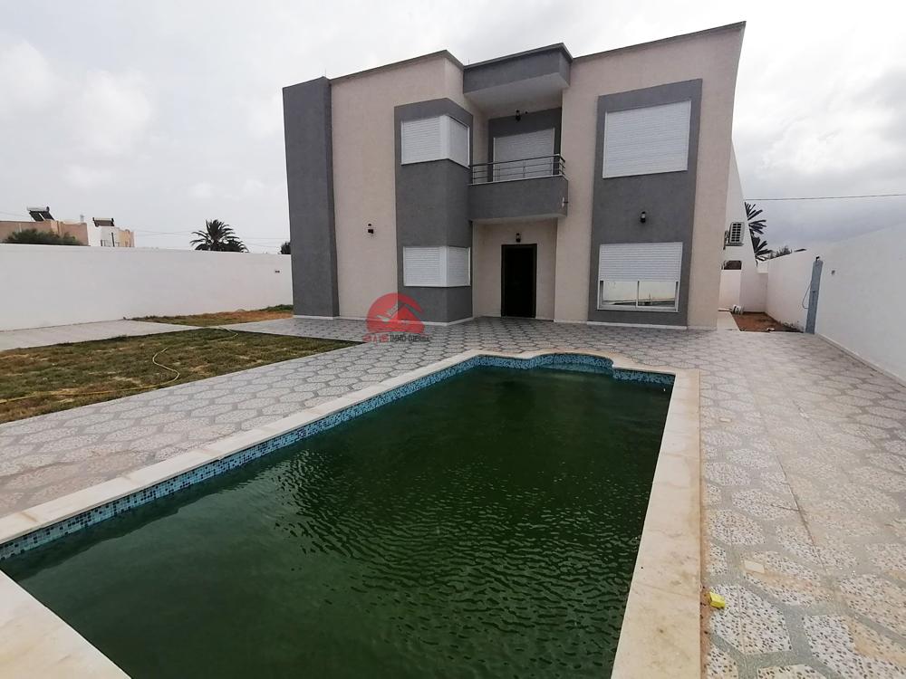 Vente villa neuve avec piscine - Réf V495