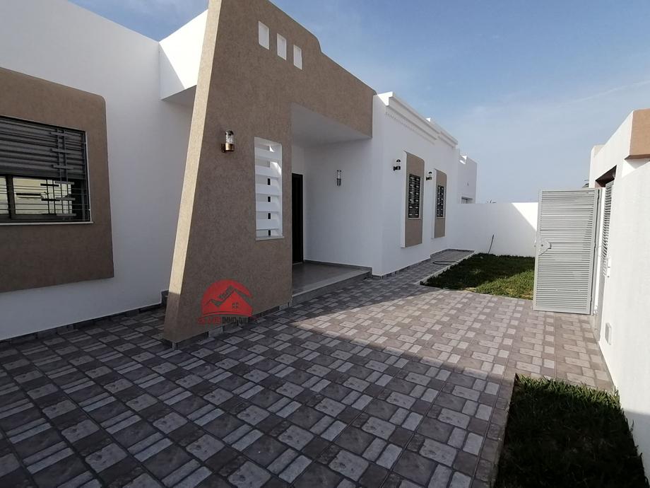 A vendre villa plain-pied neuve - Réf V496