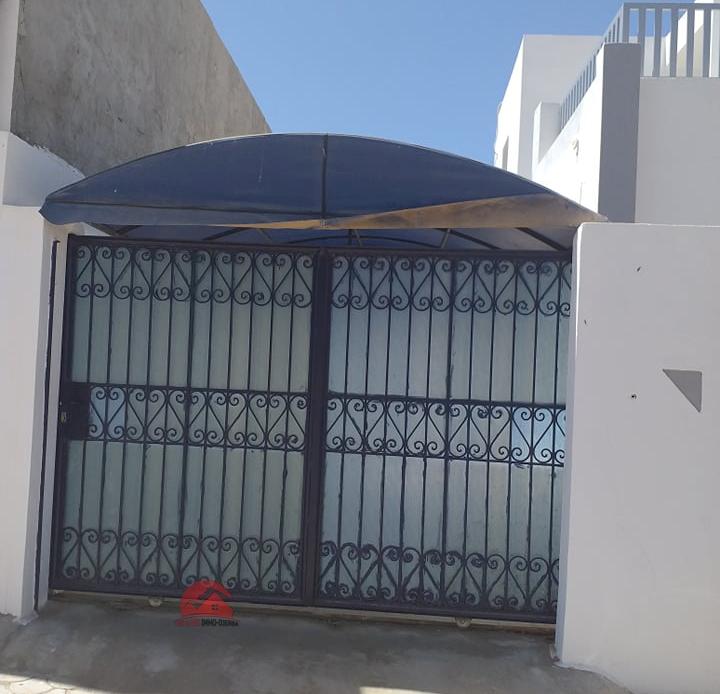 Location de studio en étage - Réf L576