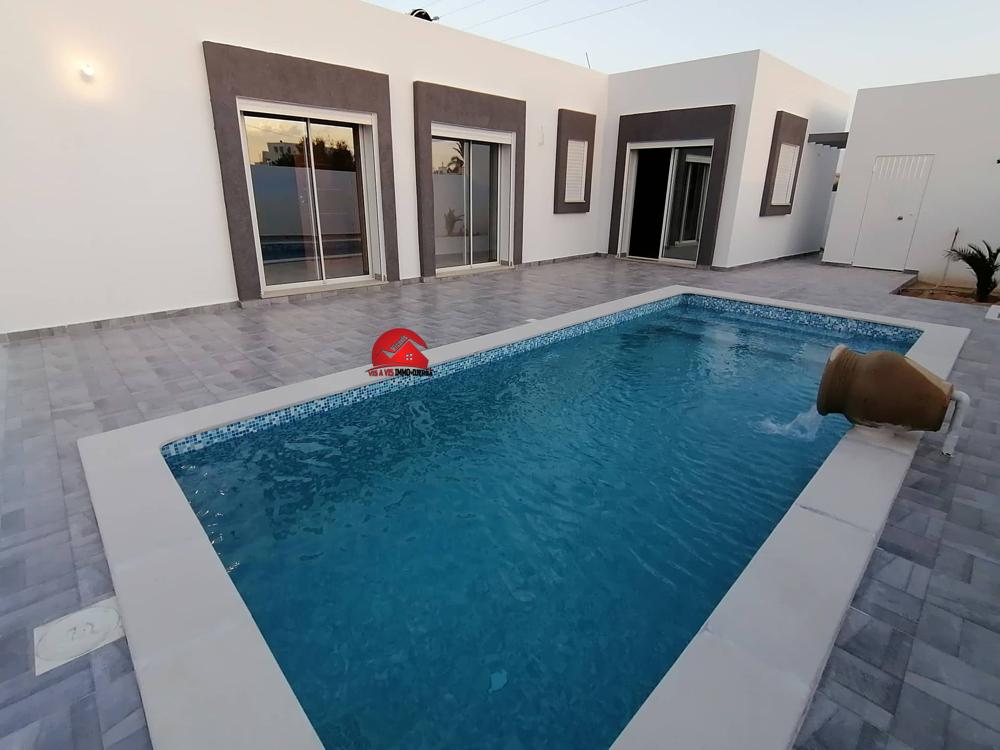 Location villa avec piscine privée - Réf L584