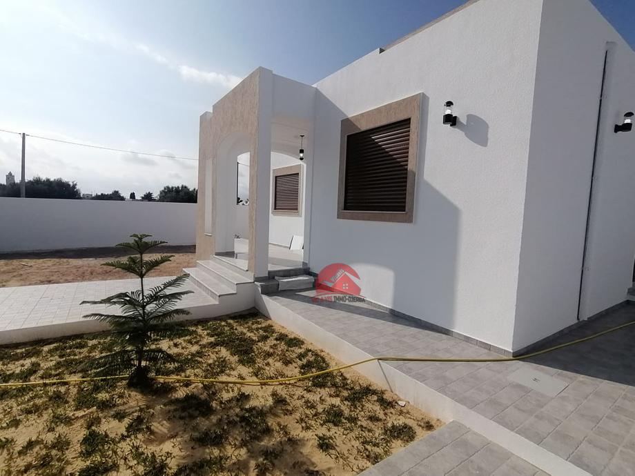Villa neuve de plain-pied à vendre - V501