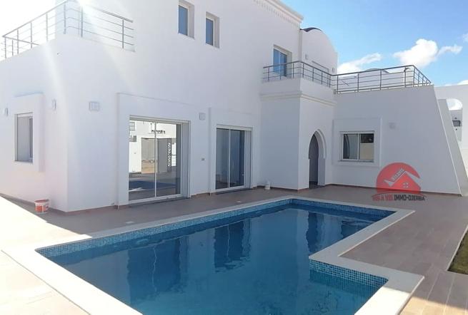A vendre Villa neuve avec piscine - Réf V502