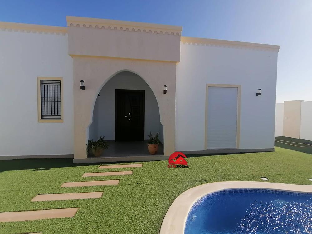 Vente villa avec piscine - V503