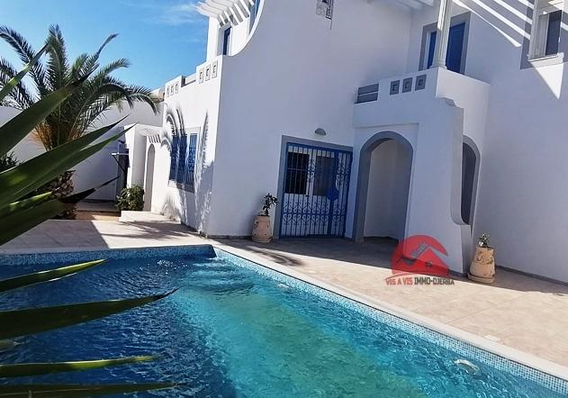 Louer grande villa avec piscine à Midoun - Rél L597