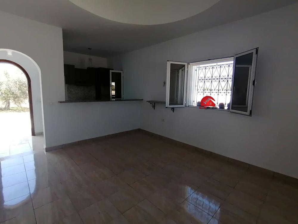 Maison sans meubles pour location annuelle - Réf L604