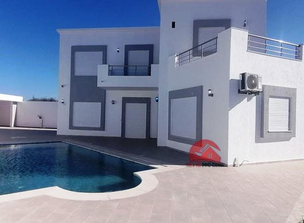 Vente Villa avec piscine à Tezdaine - Réf V518