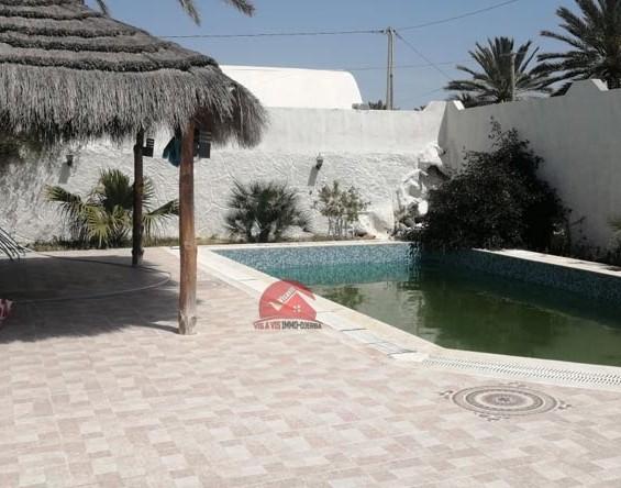 Vente maison avec piscine à Midoun - Réf V521