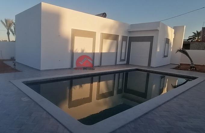 Location villa avec piscine 10x4 - Réf L608