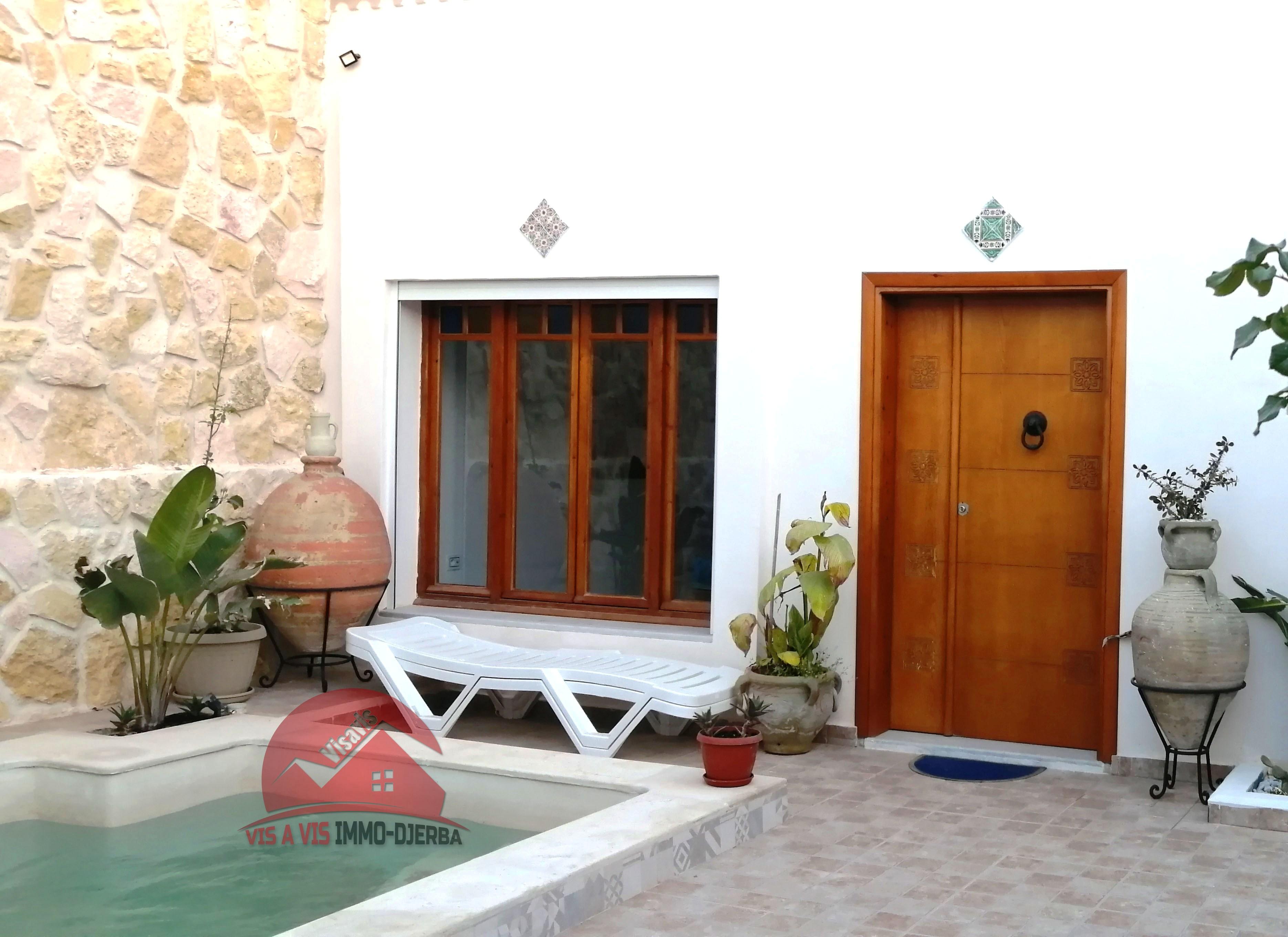 Location Houch avec piscine sans-vis-à-vis - Réf L609