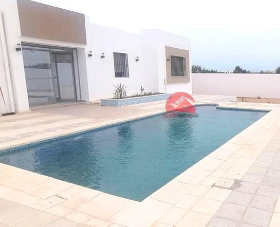 Vente villa neuve avec piscine en ZU - Réf V522