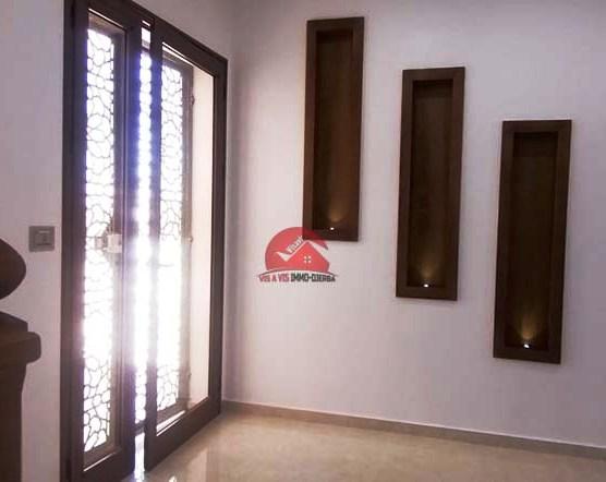 Location annuelle villa neuve sans meubles  - L622