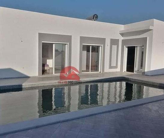 A vendre maison neuve avec grande piscine - V532