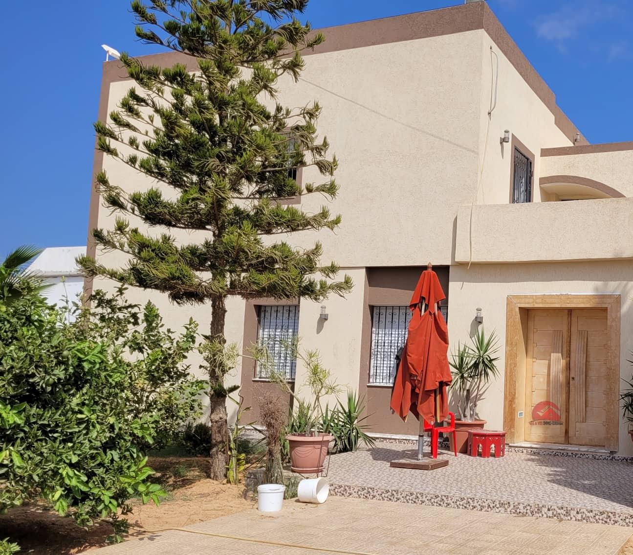 A vendre une grande maison à Houmt Souk - Réf V545