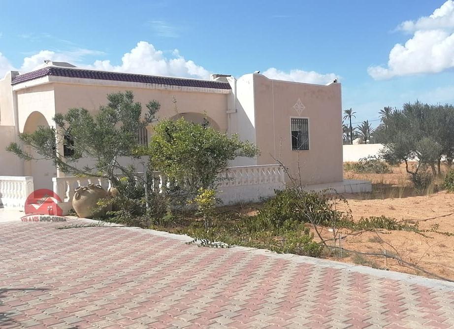 A vendre une maison récente à Tezdaine - Réf V548