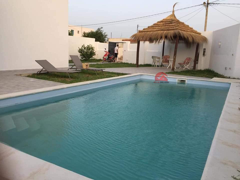 Location maison avec piscine à Houmt Souk - Réf L 637