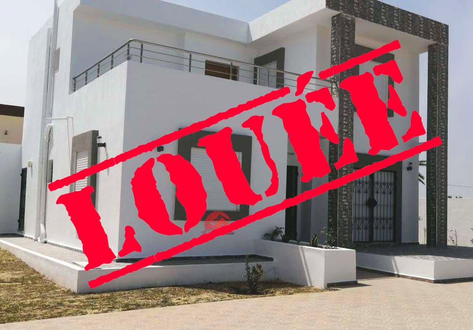 Villa avec piscine privée - location avec 4 chambres - Réf L636