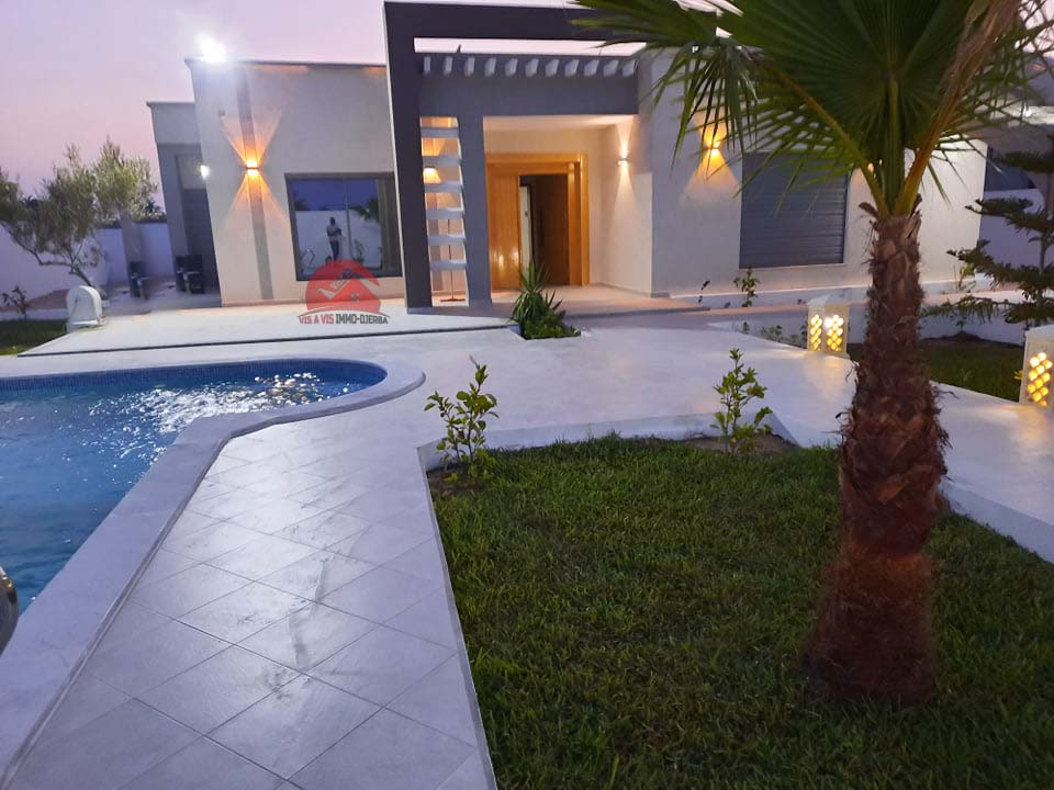 Vente villa haut de gamme à Djerba zone urbaine - Réf V539
